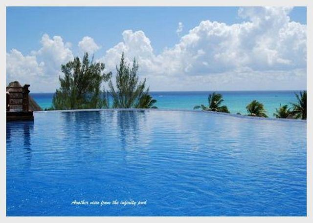 AMAZING PENTHOUSE- PRIVATE POOL!! Steps from Mahekal beach caribbean sea - Image 1 - Playa del Carmen - rentals