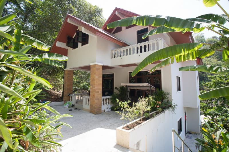 house front - Veerakit House - Sleeps 8-10! - Patong - rentals