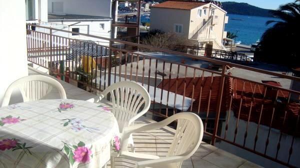 Apartments Jozo - 29571-A2 - Image 1 - Rogoznica - rentals