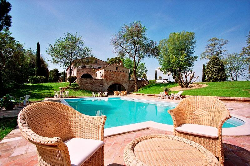 Villa Montemaggiore - Image 1 - Montemaggiore al Metauro - rentals