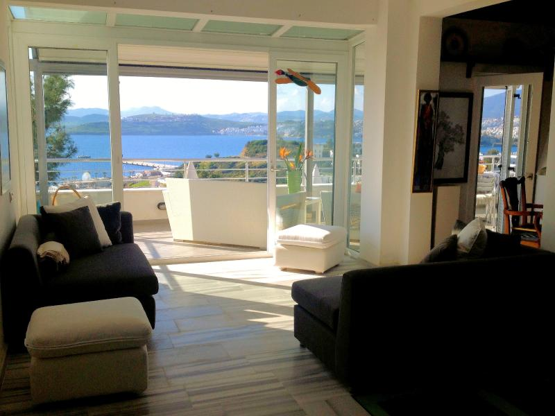 View of the balcony from the living room - Elegant house with breathtaking views close to the center of Bodrum - Bodrum - rentals