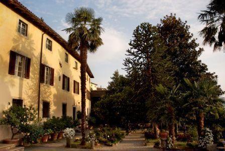 6 bedroom Villa in Fosciandora, Tuscany, Italy : ref 2266067 - Image 1 - Fosciandora - rentals
