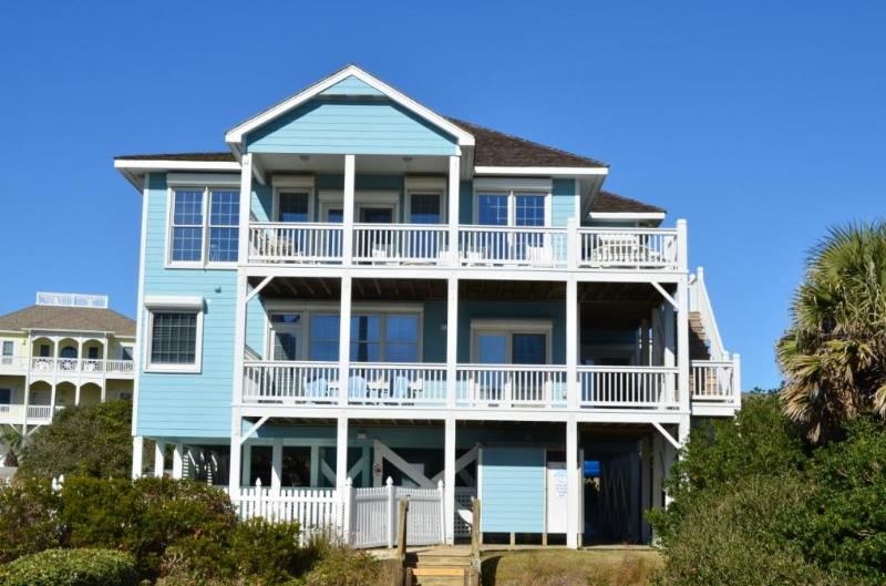 View of Evermore from oceanside - EVERMORE luxury! Pool/elevator/hot tub/sleeps 16 - Emerald Isle - rentals