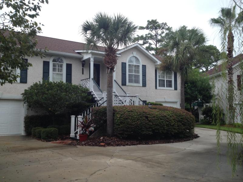 Front of house - Awesome location best price on St Simons Island - Saint Simons Island - rentals