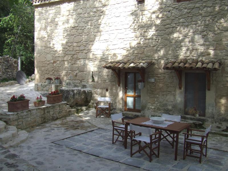 Stones House in  Majella National Park Gufo Reale - Image 1 - Abbateggio - rentals