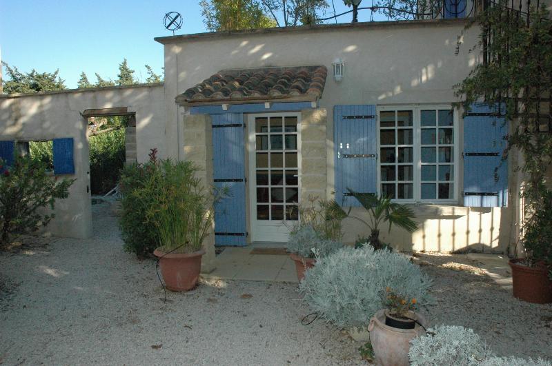 "Entrance - ""Chez Pauline"" 1bed, 1bath, pool heart of Provence - Rognonas - rentals"