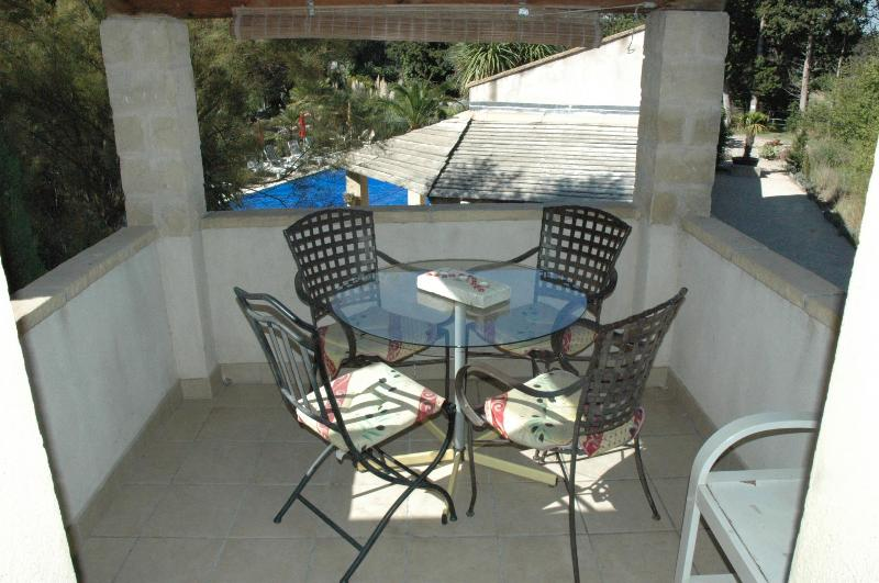 Entry terrace - St Sebastien, 2bed, 2bath, pool, heart of Provence - Rognonas - rentals