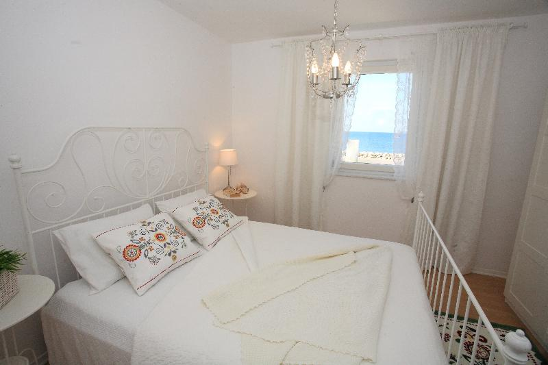 Lovley apartment ideal for young couple (2+2) - Image 1 - Bibinje - rentals
