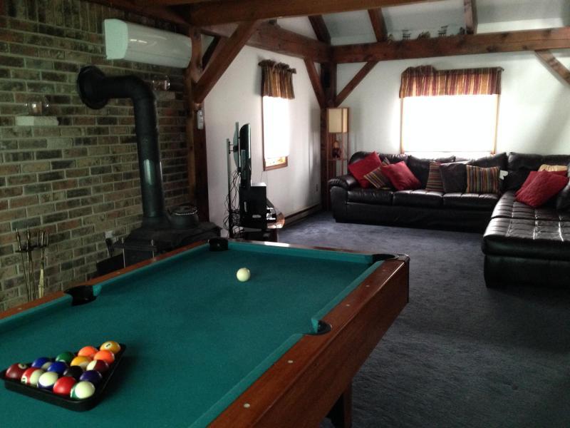Living Room, Wood Burning Stove, Pool Table - C's Hideaway (Sleeps Maximum 8 ) - Albrightsville - rentals
