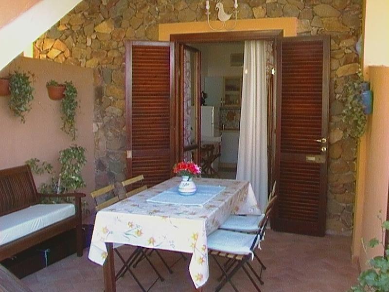 Lovely cottage in Villasimius (Italy) close to the beautiful beaches of Sardinia - Image 1 - Cala Sinzias - rentals