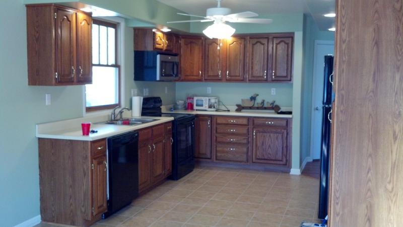 Large Kitchen - Lake Cumberland Lakefront - Somerset - rentals