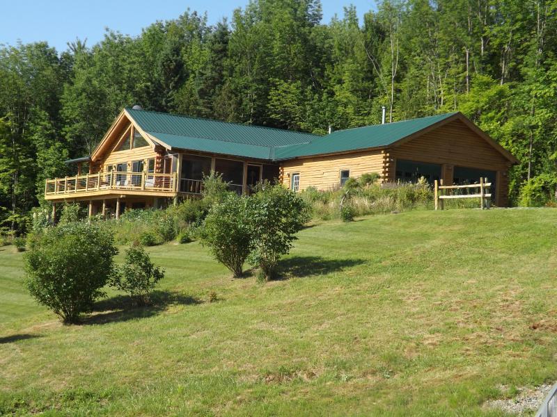 Jay Peak area luxurious log home/ pool/ lakeviews - Image 1 - Newport Center - rentals