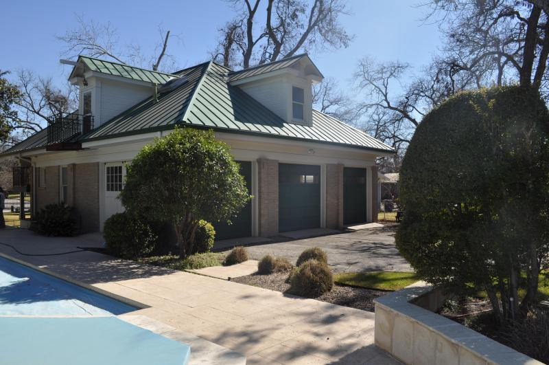 Carriage House - Enjoy Downtown New Braunfels--Walk to Everything! - New Braunfels - rentals