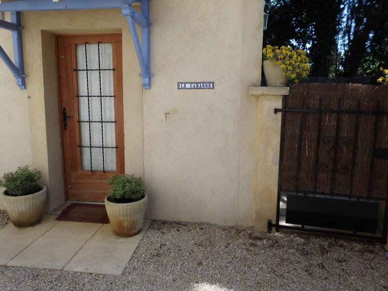 """Entry - """"Le Cabanon"""" studio, pool, 10min from Avignon - Rognonas - rentals"""