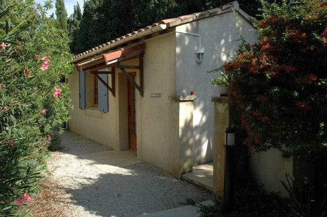 2 person, studio accommodation - Le Cabanon-studio, 10min from Avignon - Rognonas - rentals