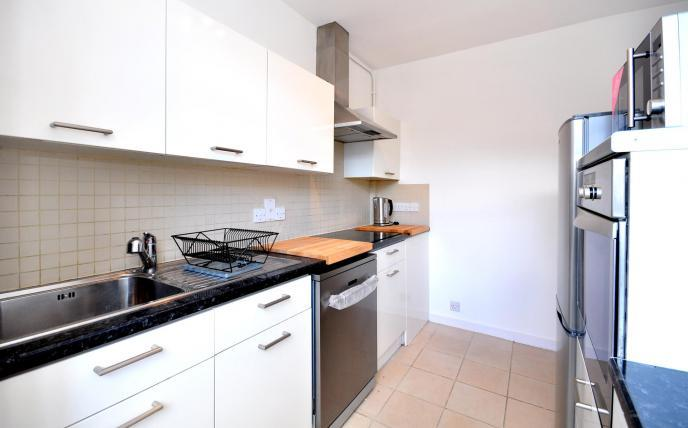 Central Apartment With Patio In The Heart Of City - Image 1 - London - rentals