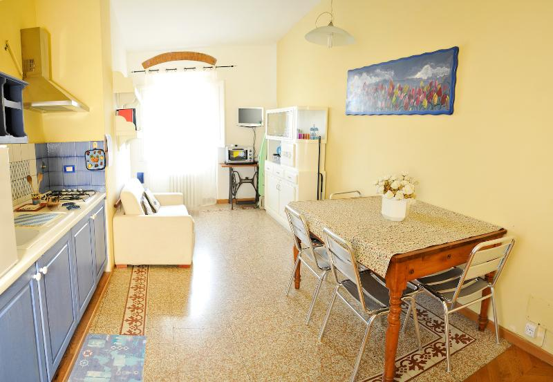 Kitchen/living room - S.APOLLONIA APARTMENT - Florence - rentals