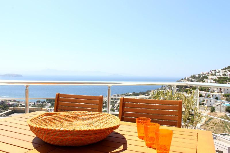 Terrace - Beautiful modern apartment with stunning sea views - Bodrum - rentals