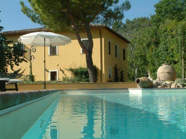 5 bedroom Apartment in Foligno, Umbria, Italy : ref 2268065 - Image 1 - Foligno - rentals