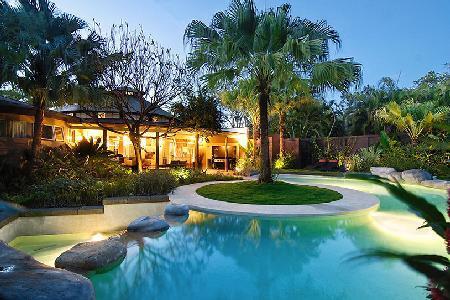 Serene Villa don Vito with infinity pool, tropical garden & daily maid - Image 1 - Tamarindo - rentals