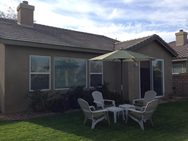Relax and watch golfers pass by - Relaxing Golf Course Home at Indian Palms CC - Indio - rentals