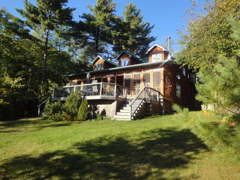 Front of Cottage - Muskoka Rustic  Beauty - Cottage Six Mile Lake - Port Severn - rentals