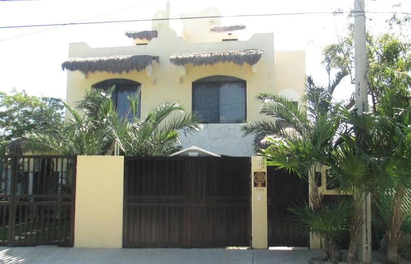Casa Shiva Street View - Casa Shiva 3 Bedroom Home  Pool Close to Beach - Puerto Morelos - rentals