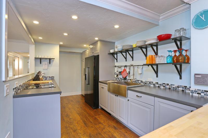 Kitchen - Beach Chic Retreat,  Siesta Key 3Bdrm Apartment - Siesta Key - rentals