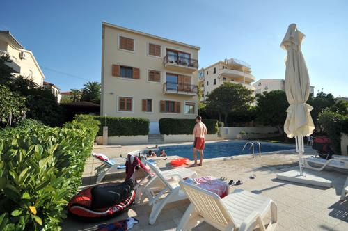 Green paradise apartment with swimming pool - Image 1 - Trogir - rentals