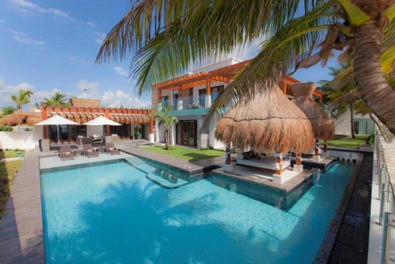 MAYA - AZUL6  Gorgeous Luxury beachfront Villa loaded with amenities - Image 1 - Puerto Morelos - rentals
