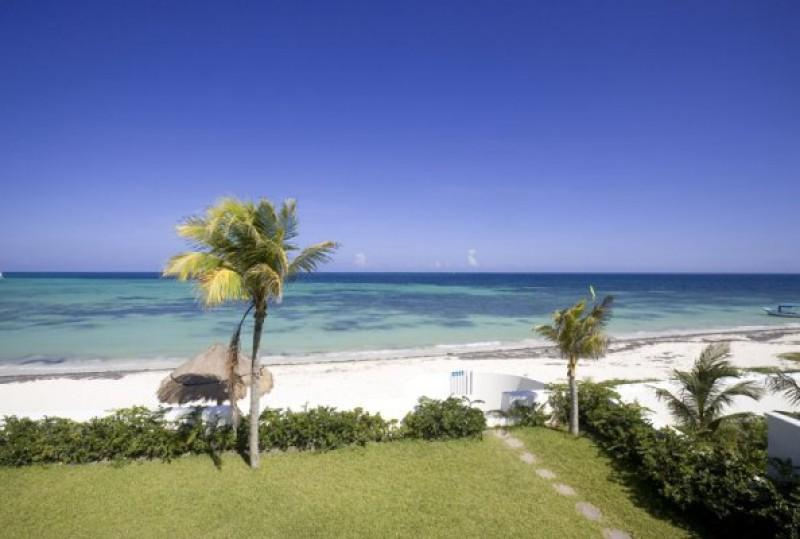 MAYA - MARC5  a tastefully decorated, beautiful two story home - Image 1 - Puerto Morelos - rentals