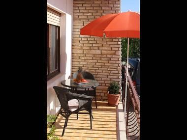 A2(2+2): covered terrace - 34985  A2(2+2) - Trogir - Trogir - rentals