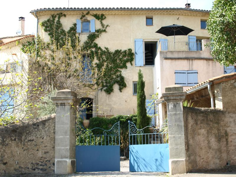 Entrance from the Vineyards - South of France House Overlooking Vineyards + Pool - Nizas - rentals