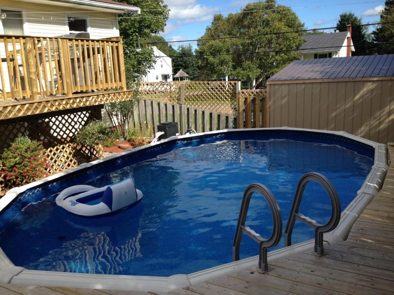 pool - 2 Bdr with POOL. FREE Bridge Pass on 1 week rental - Charlottetown - rentals