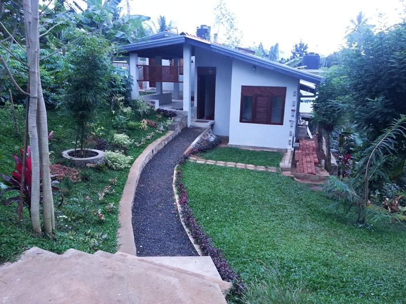 Side View of Bungalow - Sedevo Chalets - Holiday Bungalow in Kandy - Kandy - rentals