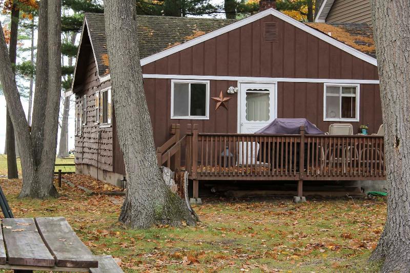 Houghton Lake Cabin - Big Bunk House Cabin Sleeps 25-30+ - Prudenville - rentals