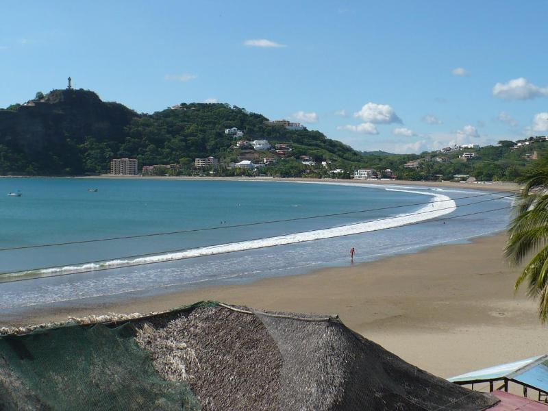 Only three short blocks (2-4 min walk) to this beach! - Secure, Remodeled HOUSE in-town!  3 blks to beach - San Juan del Sur - rentals