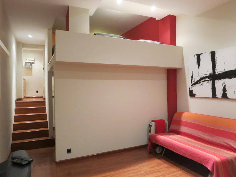 Beautiful Loft in the heart of Gràcia (Wifi) - Image 1 - Barcelona - rentals