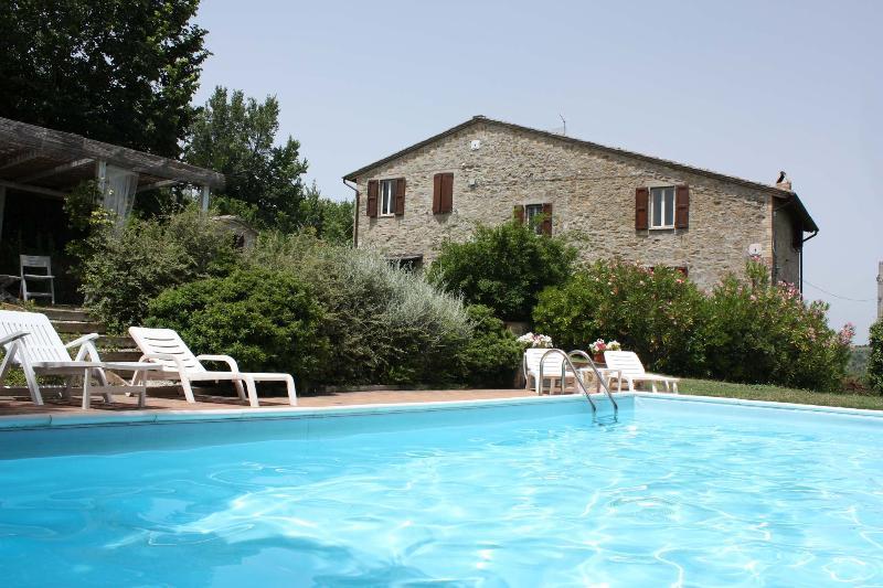 Private Villa with Pool,8 sleeps,Umbria, Perugia - Image 1 - Perugia - rentals