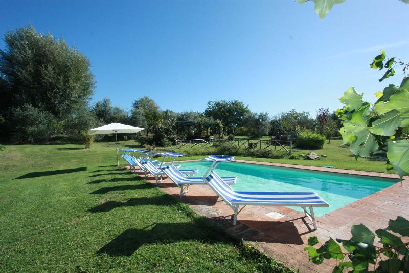 Private Villa with Pool, 11 sleeps, wi-fi, Umbria - Image 1 - Todi - rentals