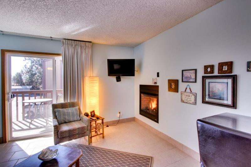Wonderful dog-friendly condo w/ shared pool and hot tub! - Image 1 - Bend - rentals