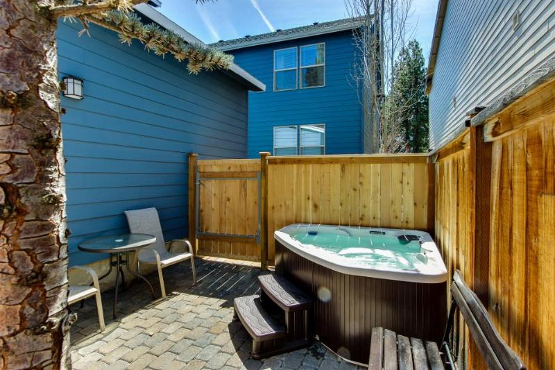 Second story loft with enclosed patio and private hot tub - close to town! - Image 1 - Bend - rentals