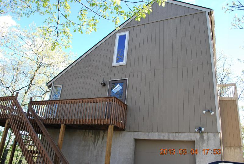 Outside of the House - Enjoy Poconos,Ski Shawnee/Camelback or Just Relax - Bushkill - rentals