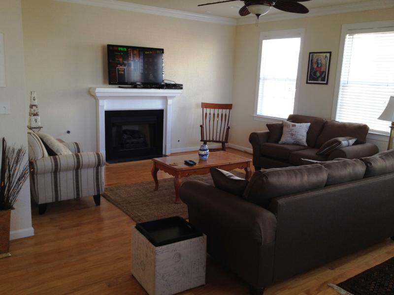 Luxurious 5-Star 3BR Elite Location - Image 1 - Virginia Beach - rentals