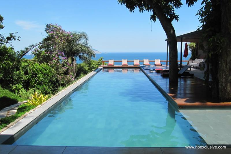 Rio052 - Villa in Joa - Image 1 - Rio de Janeiro - rentals