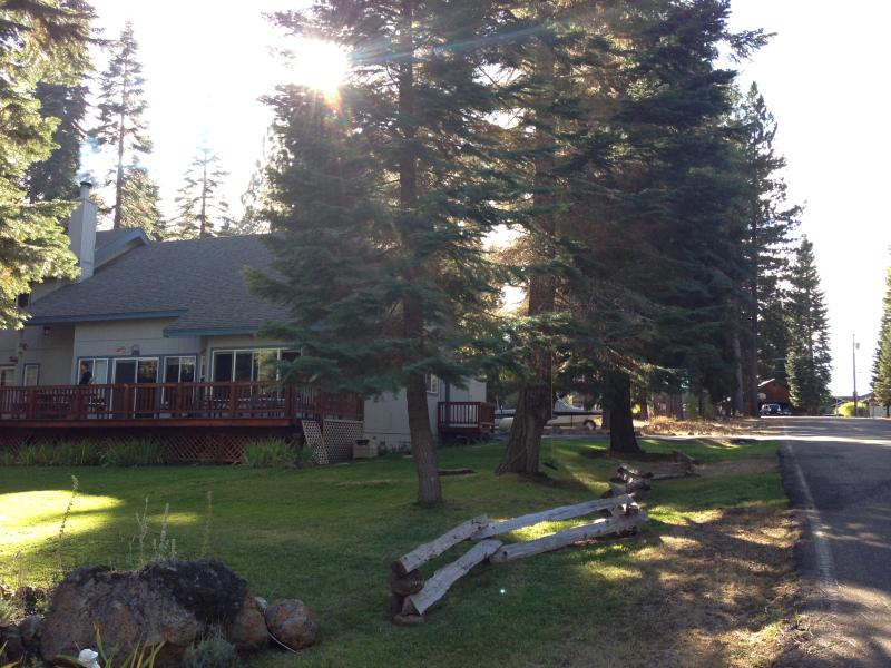 View from street - Lake Almanor home away from home - Lake Almanor - rentals