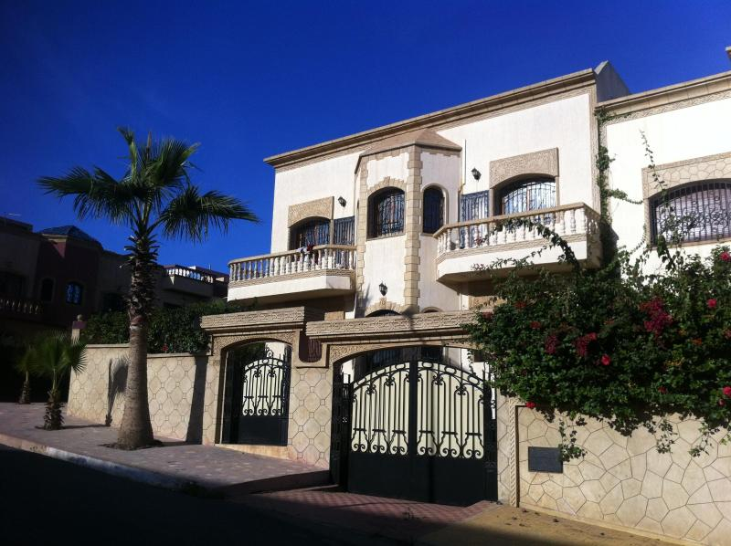 front facade - spacious & family friendly 5 BR villa, Ocean views - Salé - rentals