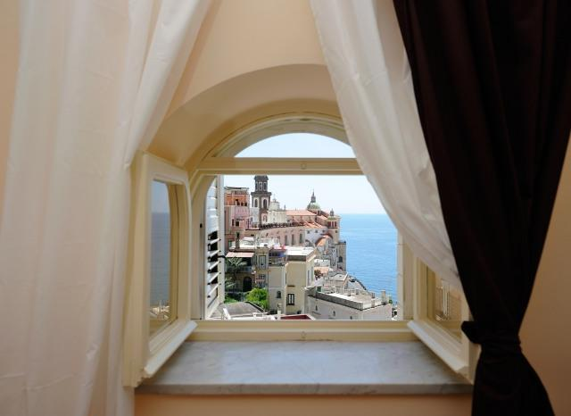 Bedroom window overlooking the sea - Atrani APT Fiori di Mandorlo Amalfi Coast - Atrani - rentals