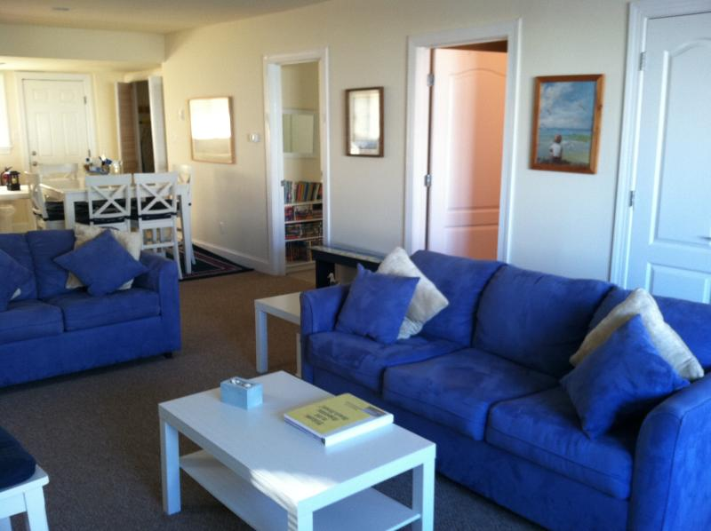 Queen sleeper sofa - Beautiful beach block - First Floor2b/2b parking. - Brigantine - rentals