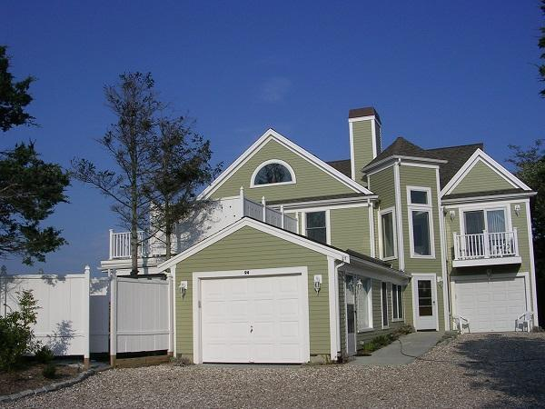 4 Bedroom with Gorgeous Bay Views! (1052) - Image 1 - Brewster - rentals
